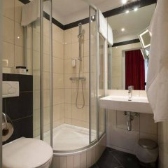Отель SHS Hotel Papageno Австрия, Вена - 8 отзывов об отеле, цены и фото номеров - забронировать отель SHS Hotel Papageno онлайн ванная фото 2