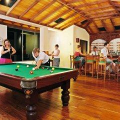Отель Mermaid Hotel & Club Шри-Ланка, Ваддува - отзывы, цены и фото номеров - забронировать отель Mermaid Hotel & Club онлайн гостиничный бар