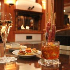 Hotel Carlina Courchevel гостиничный бар