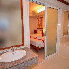 Отель First Bungalow Beach Resort ванная фото 5