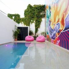 Отель Dewl Studios & Residences - The Kahlo Мексика, Плая-дель-Кармен - отзывы, цены и фото номеров - забронировать отель Dewl Studios & Residences - The Kahlo онлайн бассейн