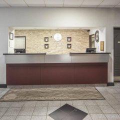 Отель Comfort Inn & Suites Downtown Edmonton интерьер отеля фото 2