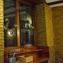 Отель Ad Hoc Monumental Hotel Испания, Валенсия - отзывы, цены и фото номеров - забронировать отель Ad Hoc Monumental Hotel онлайн гостиничный бар
