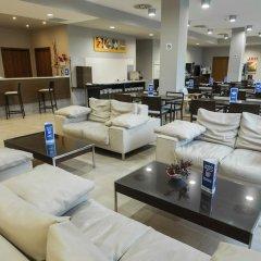 Отель Holiday Inn Express Bilbao Испания, Дерио - отзывы, цены и фото номеров - забронировать отель Holiday Inn Express Bilbao онлайн интерьер отеля фото 3