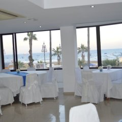 Les Palmiers Beach Hotel in Larnaca, Cyprus from 124$, photos, reviews - zenhotels.com event-facility