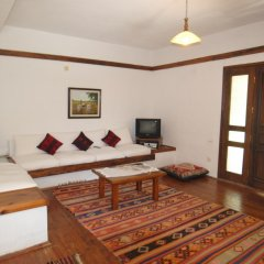 Отель Вилла Kleo Cottages комната для гостей