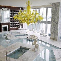 Отель Icon Residences by Flashstay бассейн