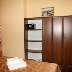 Гостиница Мини-Отель Анна в Ялте 9 отзывов об отеле, цены и фото номеров - забронировать гостиницу Мини-Отель Анна онлайн Ялта сейф в номере