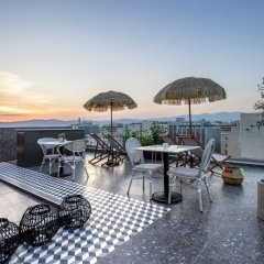 Отель The Pinnacle Athens Афины бассейн