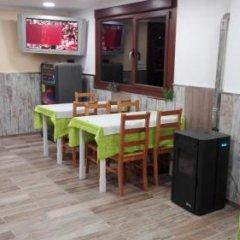 Отель Hostal Nuevo Alonso Испания, Виго - отзывы, цены и фото номеров - забронировать отель Hostal Nuevo Alonso онлайн питание