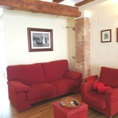 Отель Loft with love Испания, Валенсия - отзывы, цены и фото номеров - забронировать отель Loft with love онлайн комната для гостей фото 5