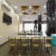 OYO 23085 Baba Hotel питание