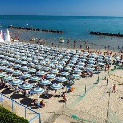 Отель Serena Majestic Hotel Residence Италия, Монтезильвано - отзывы, цены и фото номеров - забронировать отель Serena Majestic Hotel Residence онлайн пляж