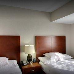Отель Embassy Suites Flagstaff сейф в номере