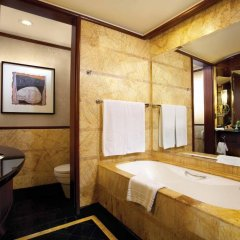 Отель Mandarin Oriental Kuala Lumpur ванная