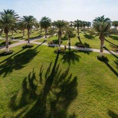 Отель Sealine Beach - a Murwab Resort Катар, Месайед - отзывы, цены и фото номеров - забронировать отель Sealine Beach - a Murwab Resort онлайн спортивное сооружение