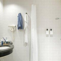Отель Scandic Sydhavnen Дания, Копенгаген - отзывы, цены и фото номеров - забронировать отель Scandic Sydhavnen онлайн ванная