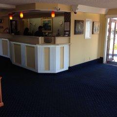 Отель Travelodge Tacoma Near McChord AFB (ex. Whiteroof Inn) США, Такома - отзывы, цены и фото номеров - забронировать отель Travelodge Tacoma Near McChord AFB (ex. Whiteroof Inn) онлайн интерьер отеля