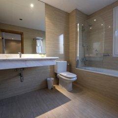 Отель Silken Sant Gervasi Испания, Барселона - 1 отзыв об отеле, цены и фото номеров - забронировать отель Silken Sant Gervasi онлайн ванная
