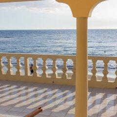 Отель Golden Sands Guest House Треже-Бич балкон