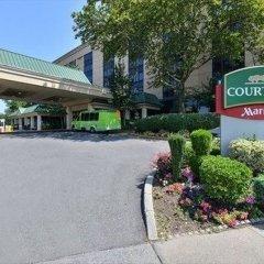 Отель Courtyard New York LaGuardia Airport США, Нью-Йорк - отзывы, цены и фото номеров - забронировать отель Courtyard New York LaGuardia Airport онлайн парковка