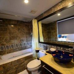 Отель Gia Bao Grand Hotel Вьетнам, Ханой - отзывы, цены и фото номеров - забронировать отель Gia Bao Grand Hotel онлайн ванная фото 2