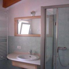 Отель Loggia Dal Lago Италия, Лимена - отзывы, цены и фото номеров - забронировать отель Loggia Dal Lago онлайн ванная фото 2