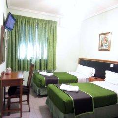 Отель Hostal Chelo Испания, Мадрид - 3 отзыва об отеле, цены и фото номеров - забронировать отель Hostal Chelo онлайн комната для гостей фото 4