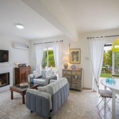 Отель Protaras Villa Sea Maris Кипр, Протарас - отзывы, цены и фото номеров - забронировать отель Protaras Villa Sea Maris онлайн комната для гостей фото 2