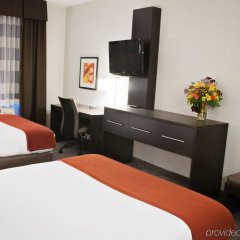 Holiday Inn Express Hotel & Suites Pittsburgh-South Side удобства в номере фото 2
