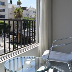 Отель Wonderfully apt. in Tel Aviv-5 min Beach Тель-Авив балкон