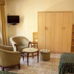Отель Hostal Abrevadero удобства в номере