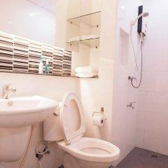 Отель Baan Mek Mok Бангкок ванная