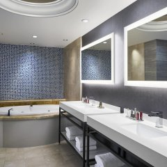 Bethesda North Marriott Hotel & Conference Center ванная фото 2
