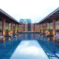 Отель Crowne Plaza Lumpini Park Бангкок бассейн фото 3
