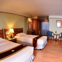 Отель Silom Village Inn комната для гостей фото 5