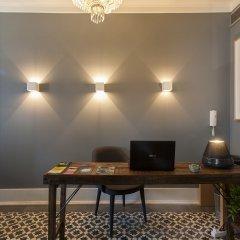Отель Feels Like Home Chiado Prime Suites Португалия, Лиссабон - отзывы, цены и фото номеров - забронировать отель Feels Like Home Chiado Prime Suites онлайн интерьер отеля