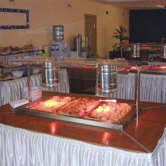 Отель Kalofer Hotel Болгария, Солнечный берег - 1 отзыв об отеле, цены и фото номеров - забронировать отель Kalofer Hotel онлайн питание фото 3