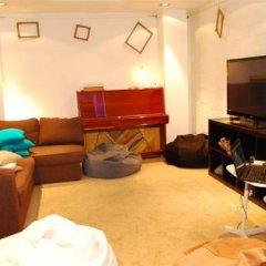 Гостиница Хостел Роял в Новосибирске 6 отзывов об отеле, цены и фото номеров - забронировать гостиницу Хостел Роял онлайн Новосибирск комната для гостей фото 4