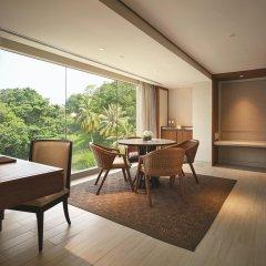 Отель Shangri-La's Rasa Sayang Resort and Spa, Penang Малайзия, Пенанг - отзывы, цены и фото номеров - забронировать отель Shangri-La's Rasa Sayang Resort and Spa, Penang онлайн балкон