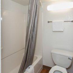 Отель Motel 6 Los Angeles, CA - Los Angeles - LAX США, Инглвуд - отзывы, цены и фото номеров - забронировать отель Motel 6 Los Angeles, CA - Los Angeles - LAX онлайн ванная