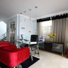 Отель Apartamentos Baia Brava Санта-Крус