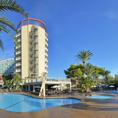Отель Sol Katmandu Park & Resort бассейн