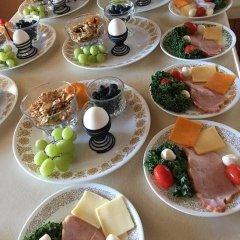 Отель Diana's Luxury Bed and Breakfast Канада, Ванкувер - отзывы, цены и фото номеров - забронировать отель Diana's Luxury Bed and Breakfast онлайн питание фото 3