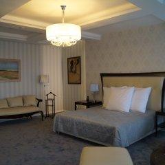 Гостиница Ost West Club комната для гостей