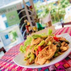 Отель Kata Blue Sea Resort питание фото 3