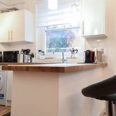 Отель Stylish 1 Bedroom Near London Bridge в номере