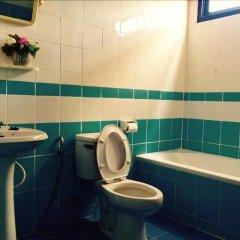 Отель Shagwell Mansions Паттайя ванная фото 2