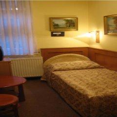 Отель Swing City Венгрия, Будапешт - 6 отзывов об отеле, цены и фото номеров - забронировать отель Swing City онлайн комната для гостей фото 5