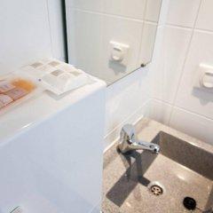 Отель St Christopher's Budget Hotel Paris Франция, Париж - отзывы, цены и фото номеров - забронировать отель St Christopher's Budget Hotel Paris онлайн ванная